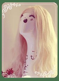 maniquí con peluca de cabello natural para mujer rubia